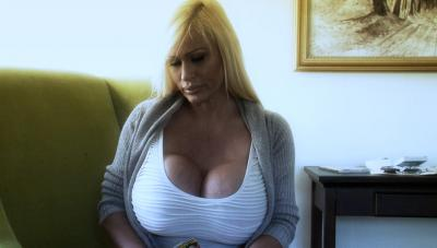 lady with big breasts