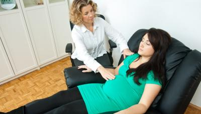 Pregnant woman at hypnotherapy